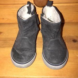 766d30c76734 Gymboree toddler boys boots. Size 6